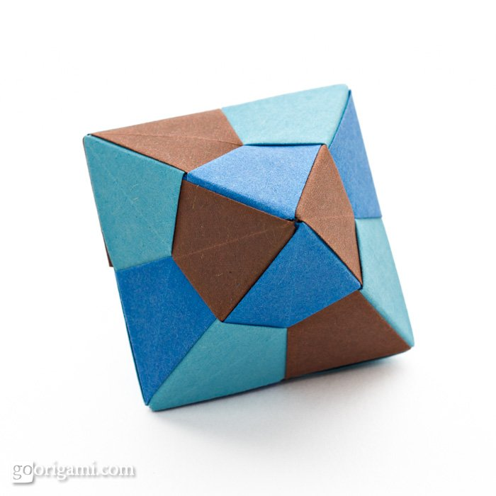 Unit Origami Essence by Tomoko Fuse   p  116Icosahedron Origami